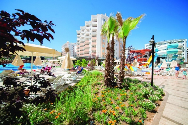 Ramada Resort Lara *****